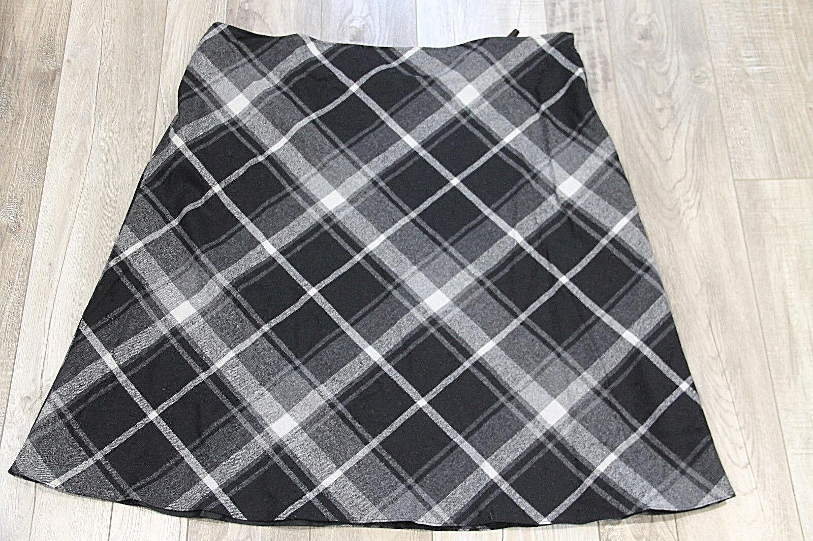 Bonita falda de lana motivo escocesa CAVITA fr nuevo con etiqueta