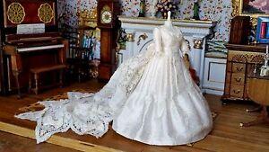 Dollhouse-Artisan-Taller-Targioni-Miniature-OOAK-Wedding-Gown-Dress-Form-1-12