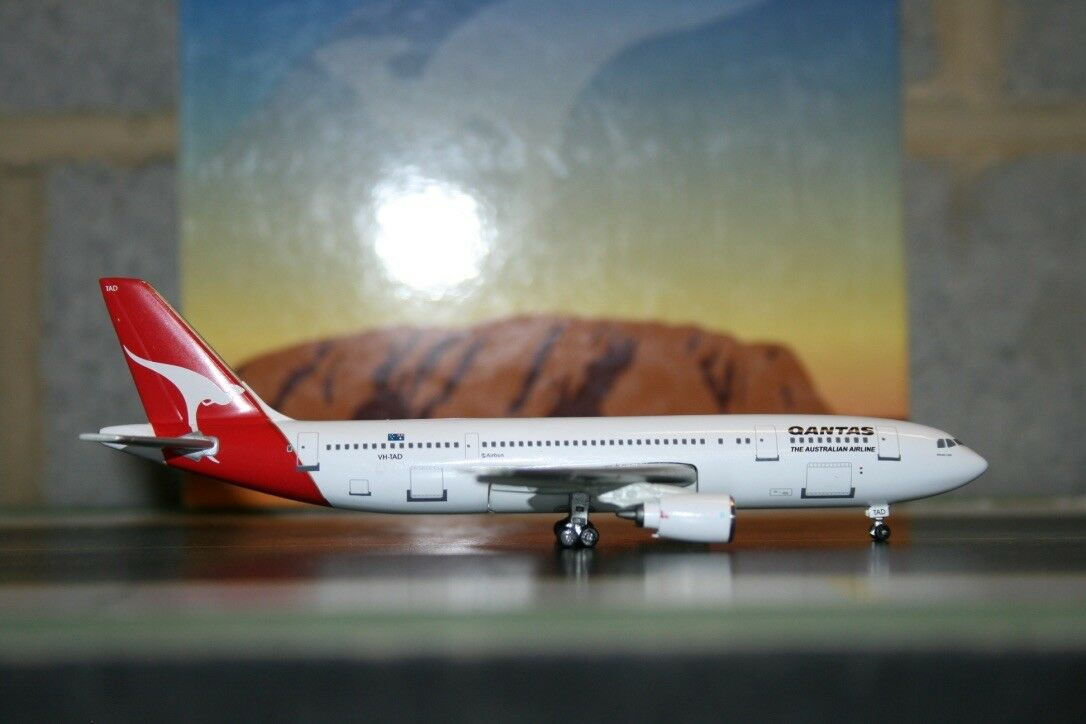 Jet-X 1 400 Qantas Airbus A300-B4 VH-TAD Die-Cast Modell Plane with GSE bus