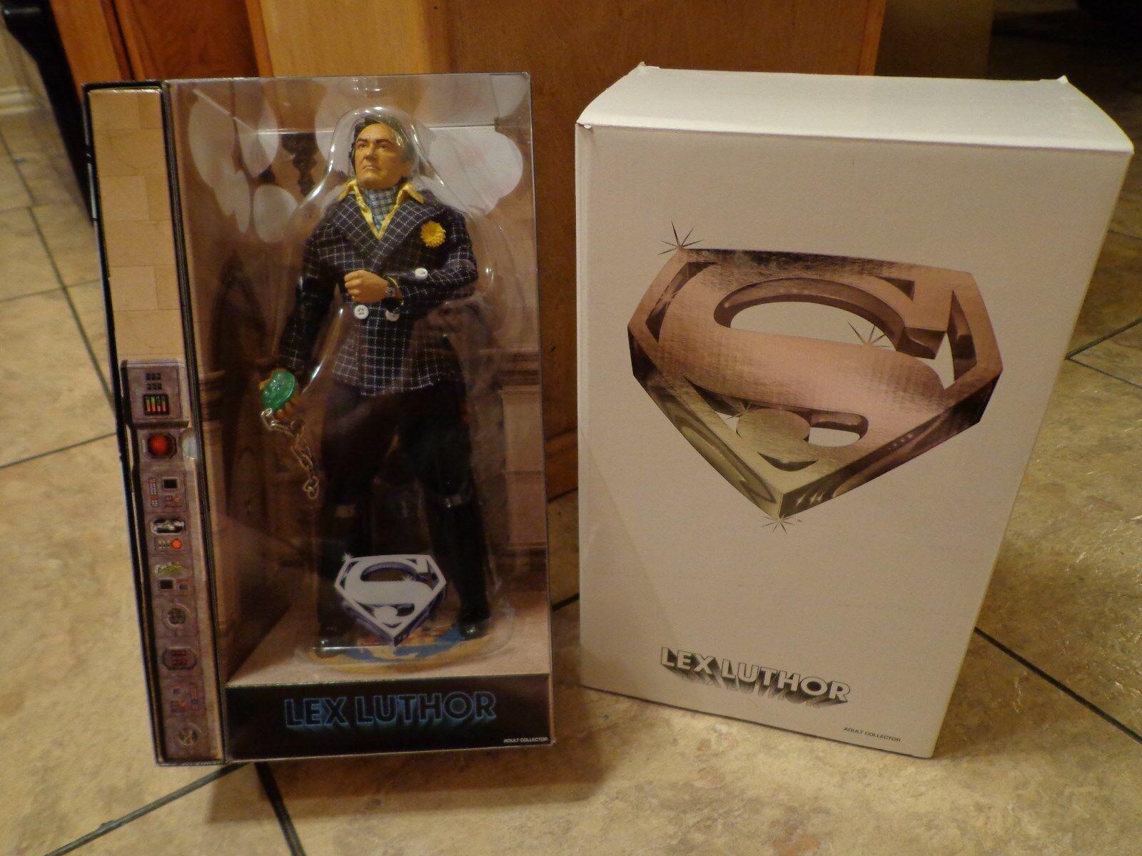 2010 MATTEL--SUPERMAN--12