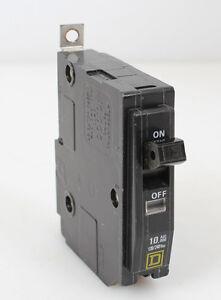 new style x Square D 15 amp circuit breaker QOB215