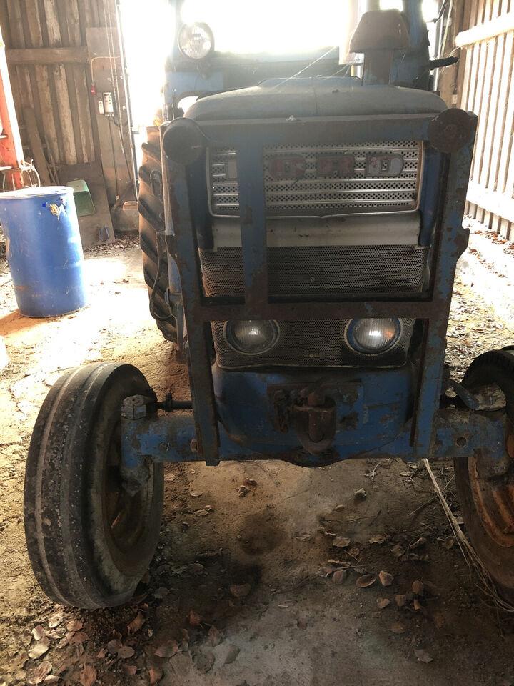 Traktor Ford 5000 🚜 - med aggregat til prepare...