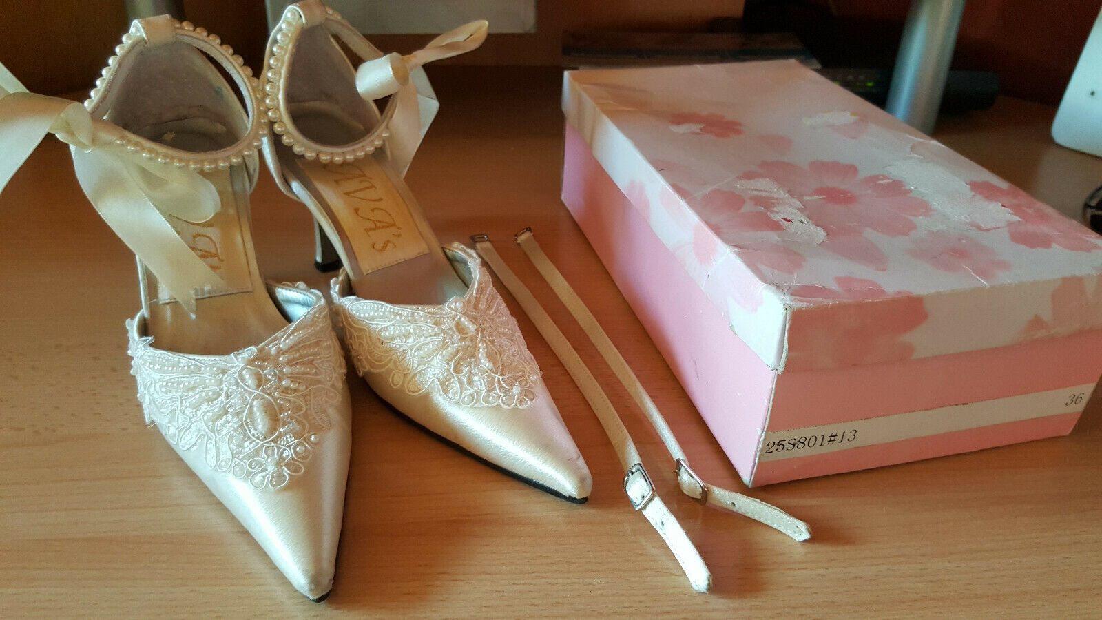 Wneu Wedding Bridal Shoes Heels Ivory Champagne 36 with 2 Interchangeable