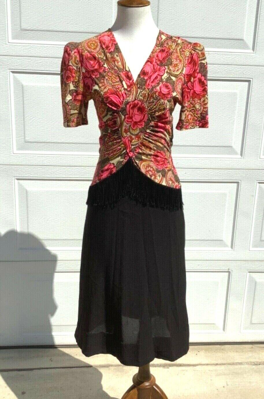 Vintage 40s rayon jersey floral dress fringe  w26 - image 2