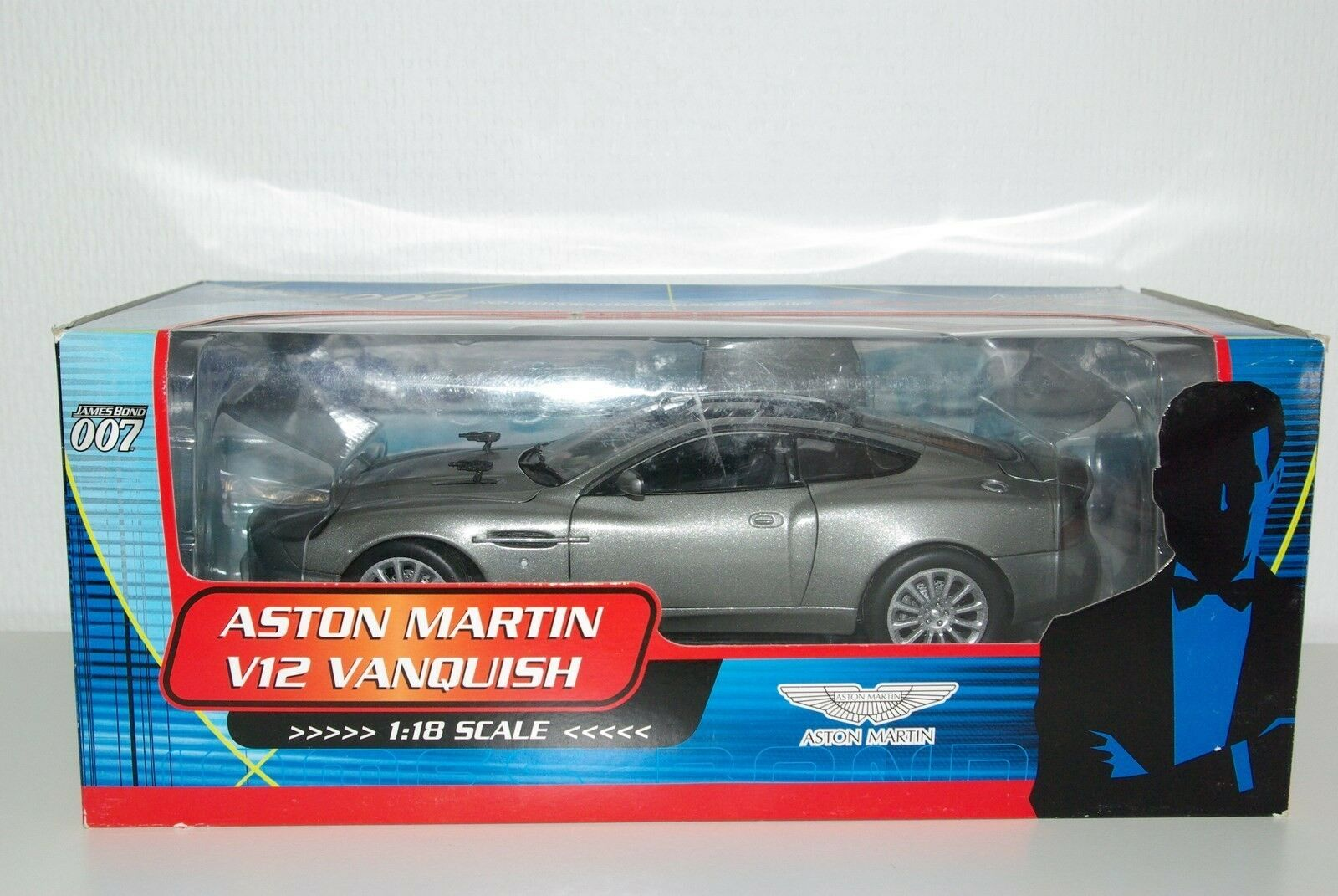 PAUL MODEL ART JAMES BOND ASTON MARTIN V12 VANQUISH MINT BOXED RARE SELTEN RARO