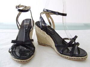 Sexy-scarpe-sandalo-zeppa-nero-alto-9cm-con-cinturino-alla-caviglia-n-38