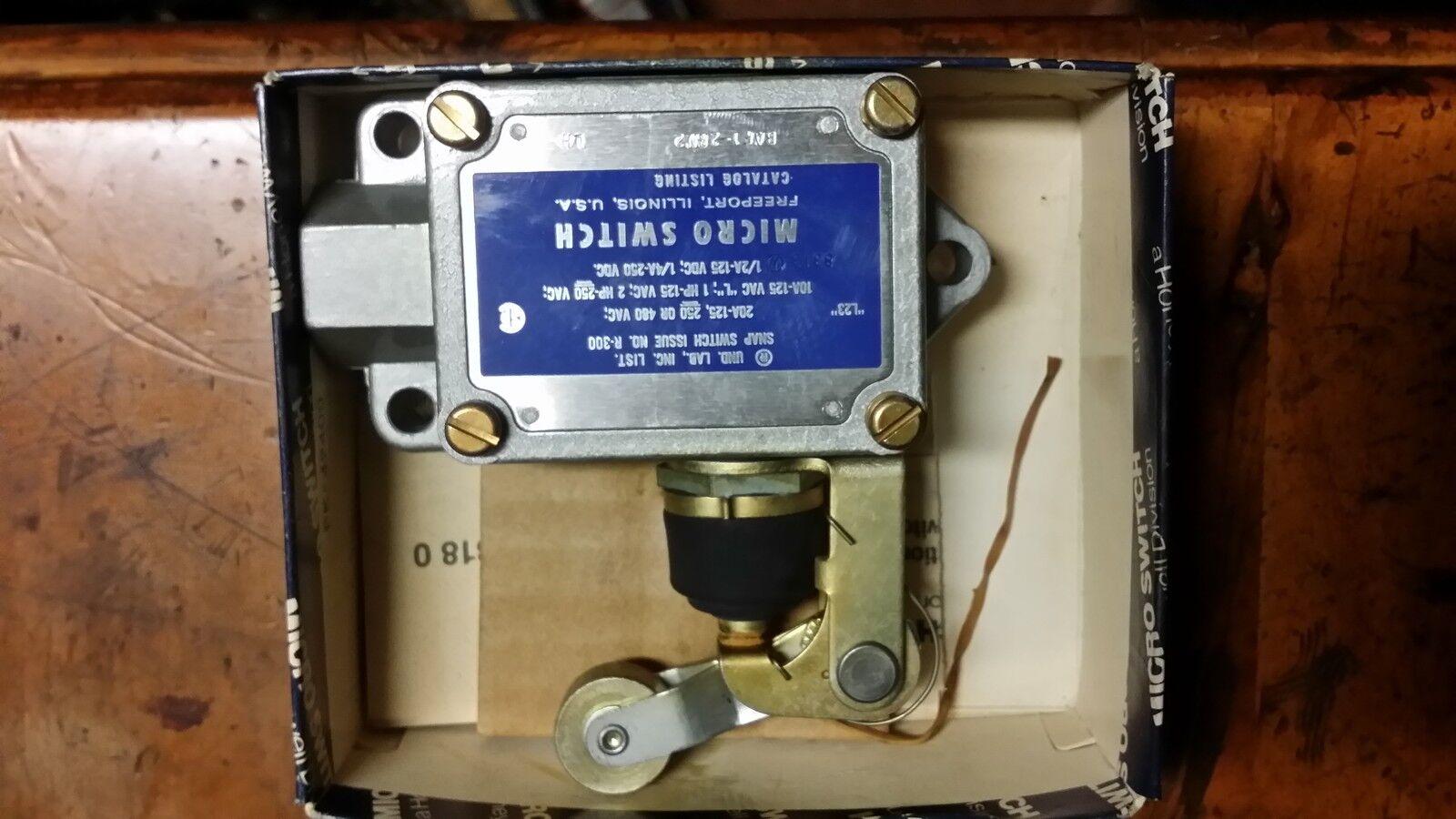 HONEYWELL S&C BAF1-2RN2-LH Limit Switch TOP ROLLER ARM SPDT-1NO 1NC