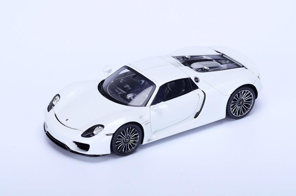 SPARK Porsche 918 Spyder white - white S4242 1 43