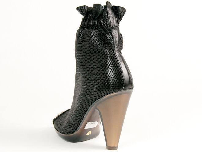 Nuevo Baldinini Negro Cuero Perforado Hecho en Italia Italia en Botines Talla 39 US.9 05b3ad