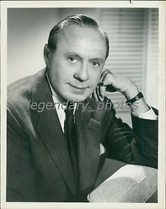 1962-Portrait-of-Entertainer-Jack-Benny-Original-News-Service-Photo