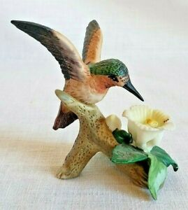 Vintage ceramic hummingbird collectible figurine perched with flower pretty GUC