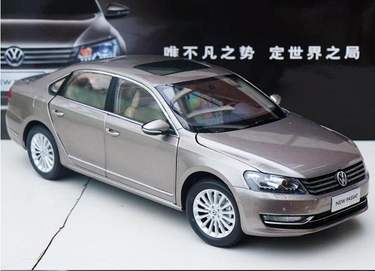 1 18 Shanghai Volkswagen production originale Alliage modèle de voiture nouvelle Passat 2011