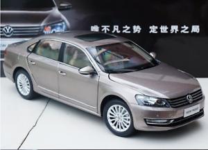 1 18 Shanghai Volkswagen Aleación de producción original modelo de coche nuevo Passat 2011