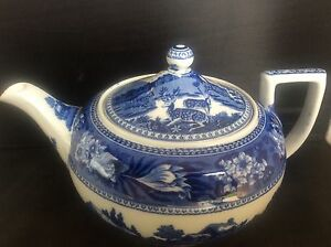 Large-1-litre-Wedgwood-Blue-amp-White-Transfer-Printed-Ware-Fallow-Deer-Teapot