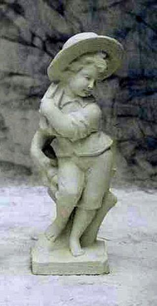 Estatua con sombrero invierno, piedra personaje, personaje de jardín