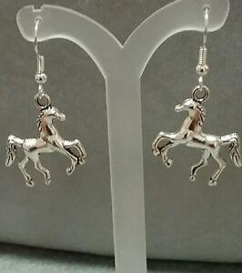 horse-earrings