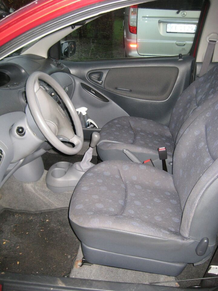 Toyota Yaris, 1,0 Luna, Benzin