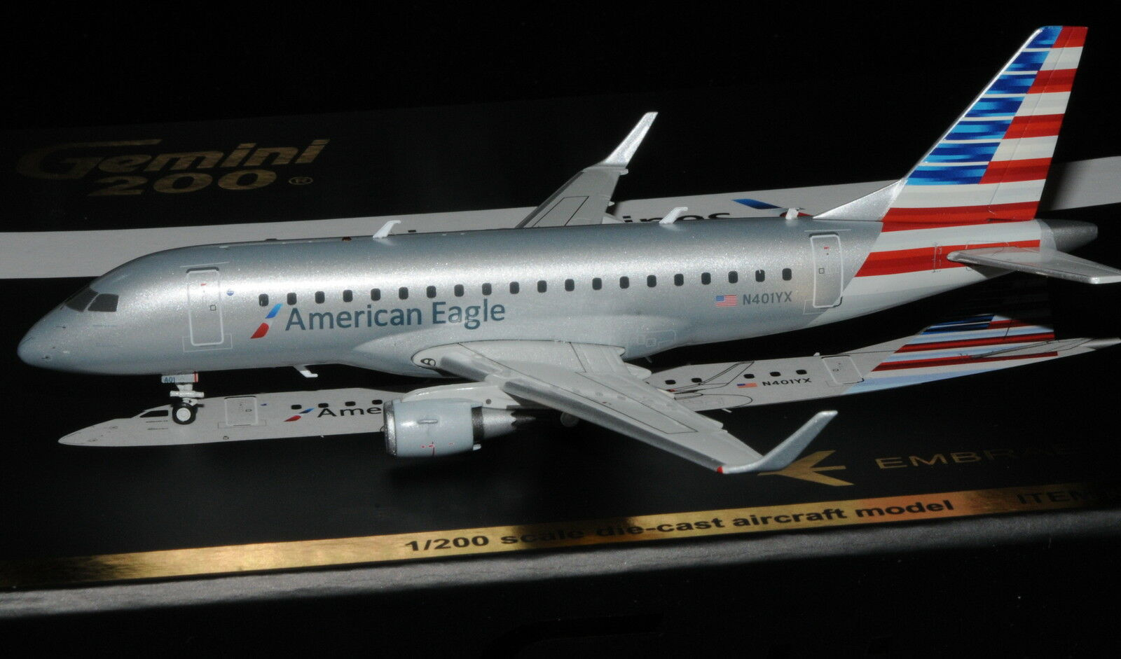 Gemini Jets 1 200 Embraer erj-170 American Eagle n401yx