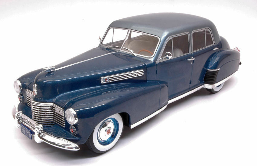 Cadillac Fleetwood series 60 Special sedan metallic blu Light blu 1 18 Model