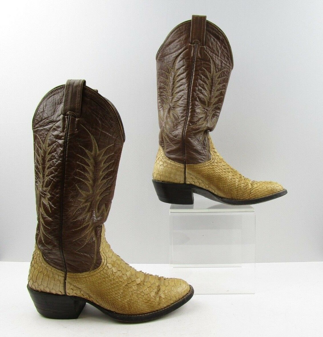 Ladies Nocona Brown Snake Leather Cowboy Western Boots Size: 6.5 C *WIDE*
