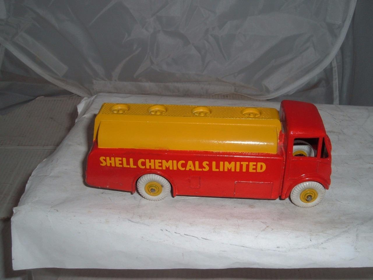 DINKY TOY AEC MONARCH REPAINTED SHELL CHEMICALS VINTAGE TAKE  LOOK AT THE PHOTOS