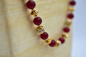 Vintage-Bozark-Italy-Signed-Necklace-Stand-Matte-Red-Beaded-Gold-Rhinestone-Bin3