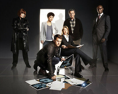 Fringe [Cast] (51538) 10x8 Photo