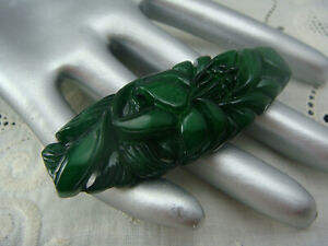 Vintage-Green-Celluloid-Heavily-Flower-Carved-Bar-Pin-Brooch