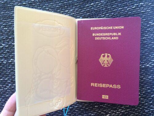 Passport Etui Schwammkopf 3D Passport Case REISEPASSHÜLLE Kunstleder 14*10cm Neu