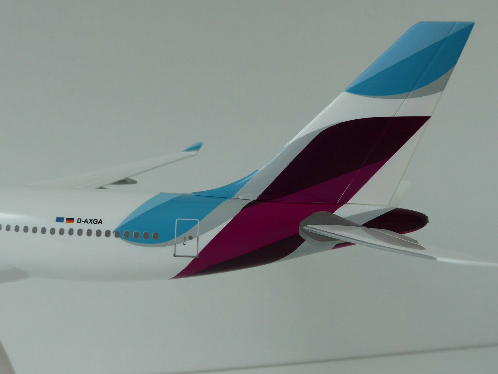 EUROWINGS Airbus A330-200 1 1 1 200 new colours Limox Wings EW03 A330 A 330 D-AXGA e800da
