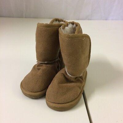Botas de piel de oveja estilo de Bebé Niñas Piel Sintética Color Bronceado Talla 4