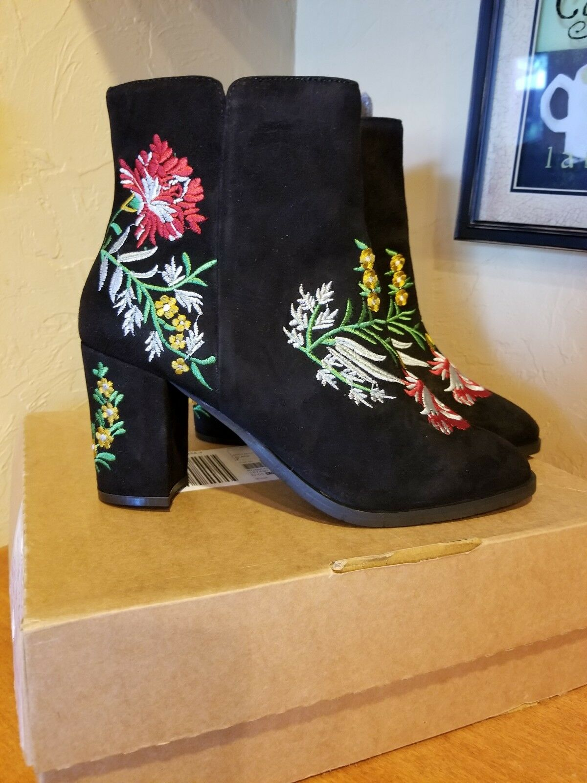 Heavenly Soles Ankle Boots Size 9