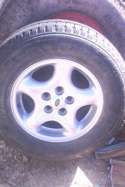Landrover Rim & Tyre 235/70Rx16 for sale