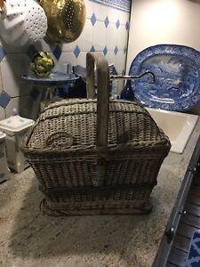 Picknickkorb um 1900 ein tolles antikes Teil - es ist in die Jahre gekommen