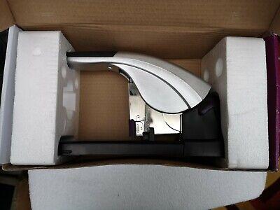 REXEL 2100922 Grapadora gran capacidad modelo MERCURY color plata//negro