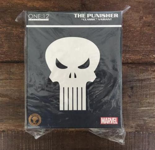 Mezco Toyz One 12 Collective Classic Punisher White Variant Exclusive Marvel