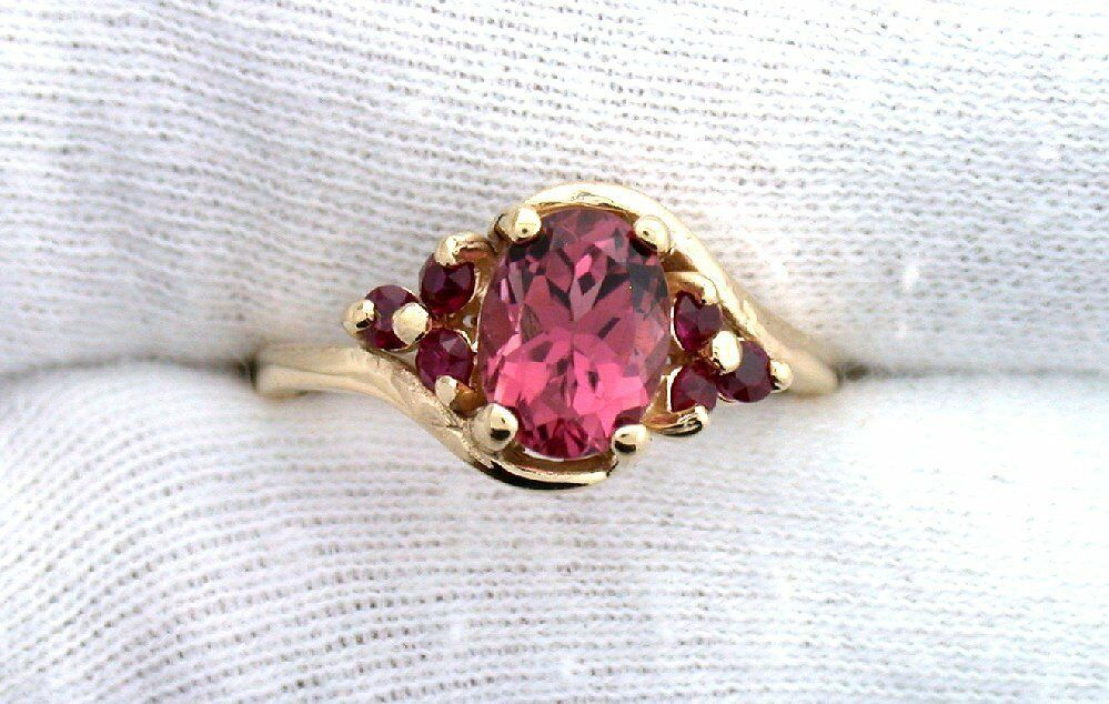 14Kt REAL Yellow gold 8x6 Oval Rubellite & Lab Ruby Ladies Ring Sz 6.5 EBS99R60