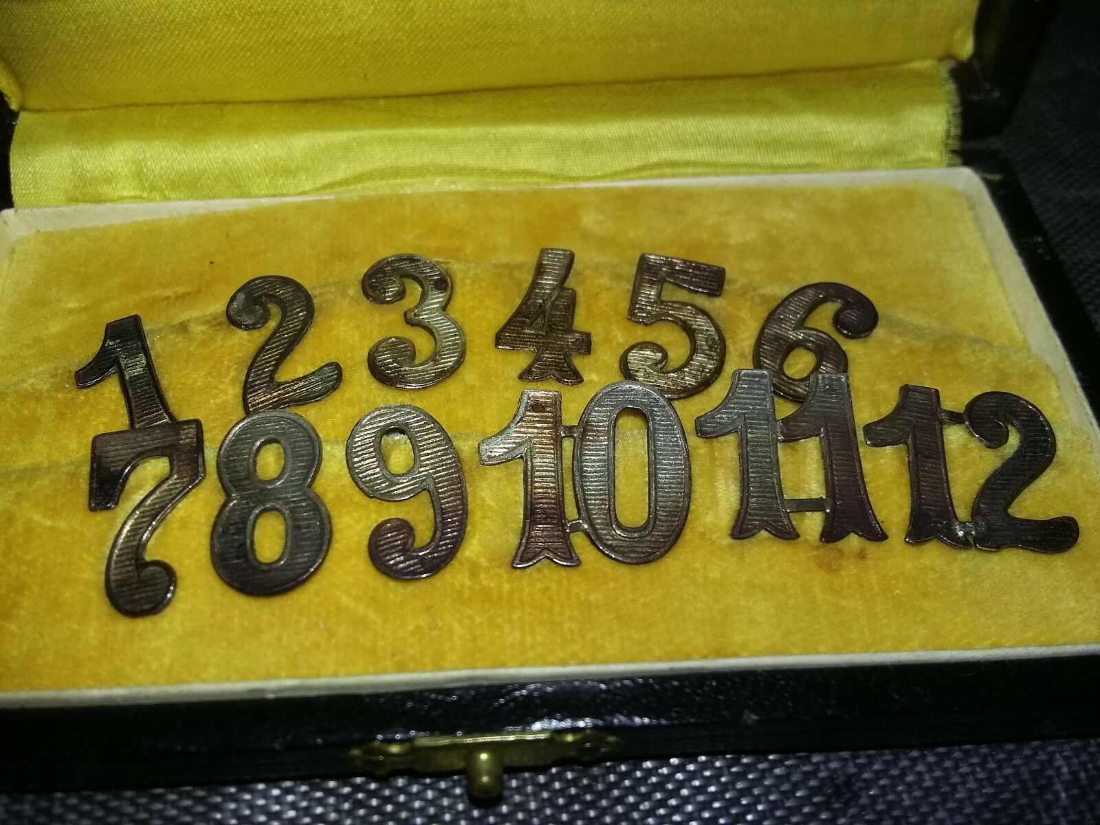 Ancien Coffret 12 numéros à pince - marques place table - début XX