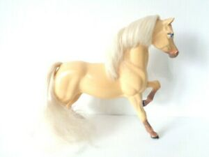 VINTAGE-BARBIE-PALOMINO-HORSE-TOY-MODEL-MATTEL-1983