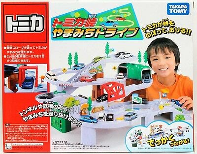Tomy Tomica Pass mountain road drive (free 2 tomica car)