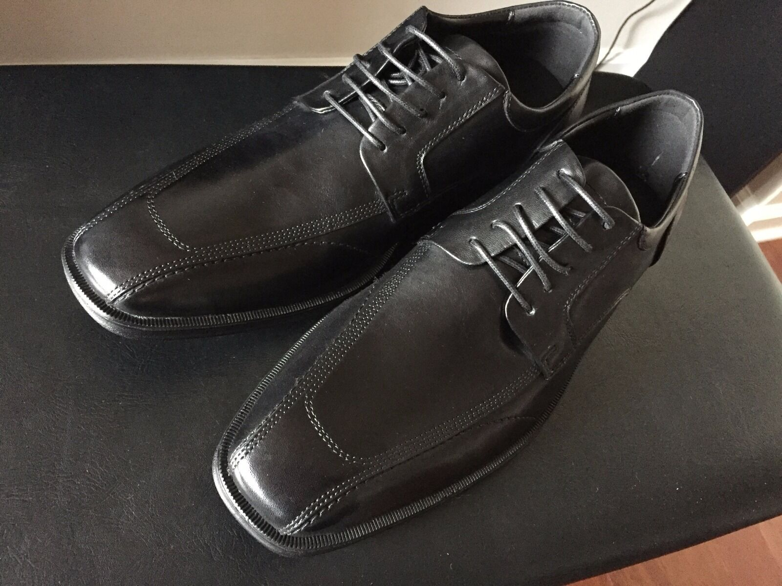 Kenneth Cole REACTION Men's Bill ARD Hall LE Oxford Black 9.5 M US Leather