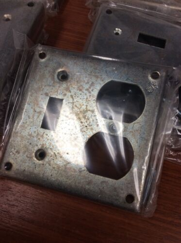 """12 4"""" Square 1//2/"""" Raised Duplex Receptacle /&  Switch Industrial Surface Cover"""