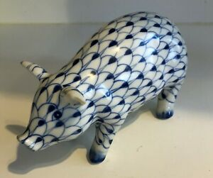 Vintage Pig PORCELAIN Figurine ANDREA BY SADEK Blue  White Fishnet HP w Sticker