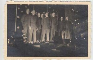F20197-Orig-Foto-deutsche-Soldaten-Weihnachtsfeier-1940er
