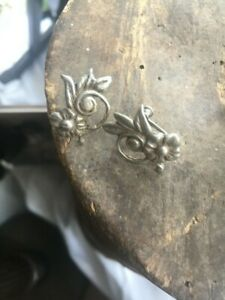 Pretty Vintage Art Nouveau Floral Screw Back Earrings