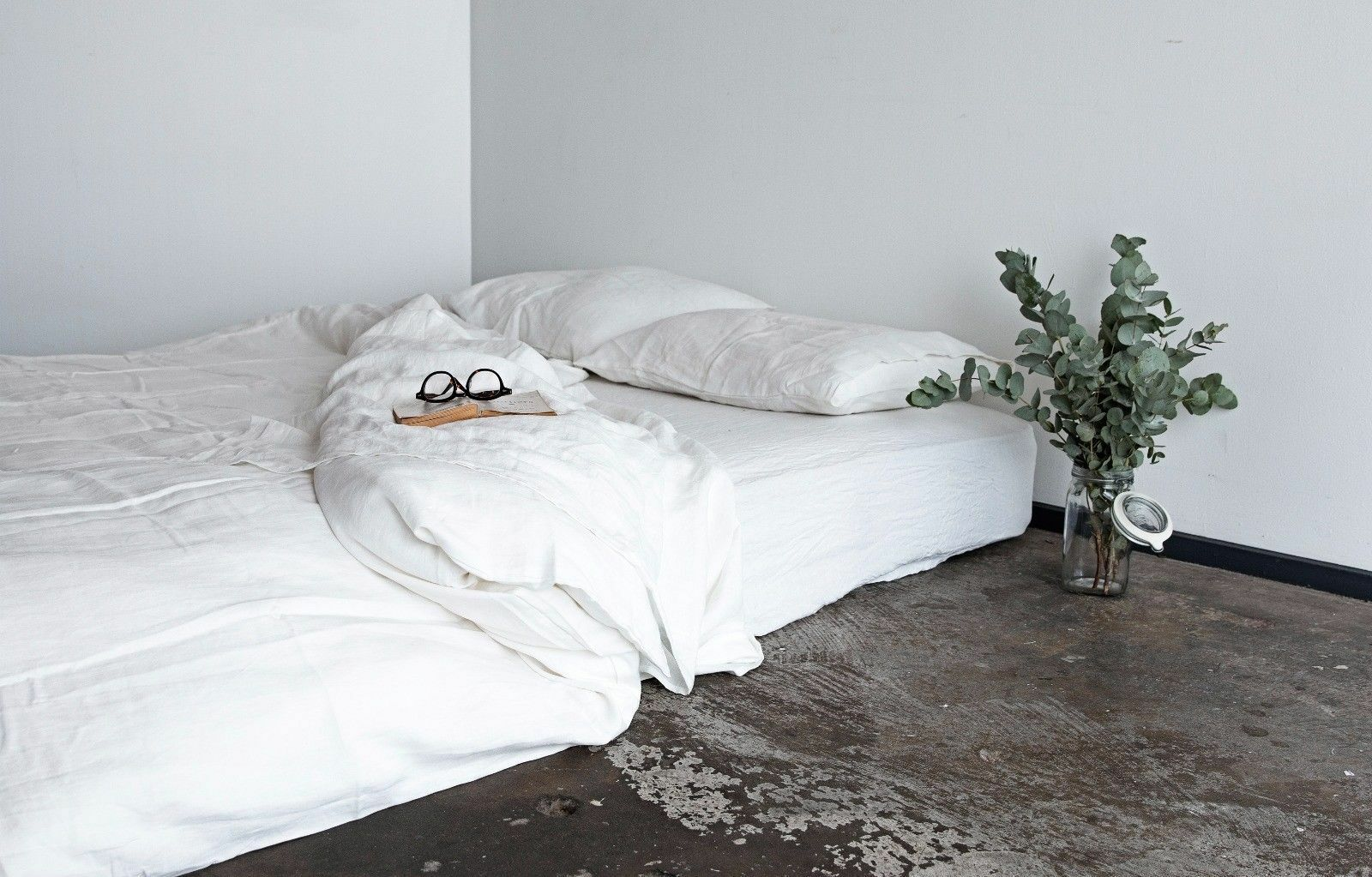 White Linen 7pc Bedding Set Available At Best Price US King Size