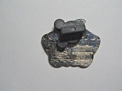 Dumbo SILVER CHASER! Disney Pin 2018 Hidden Mickey Plush Big Foot 127977