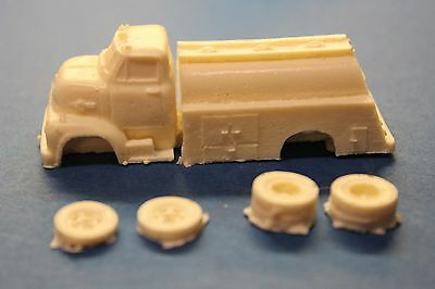 HO SCALE TRUCK-1953 FORD COE FUEL TANK TRUCK RESIN KIT