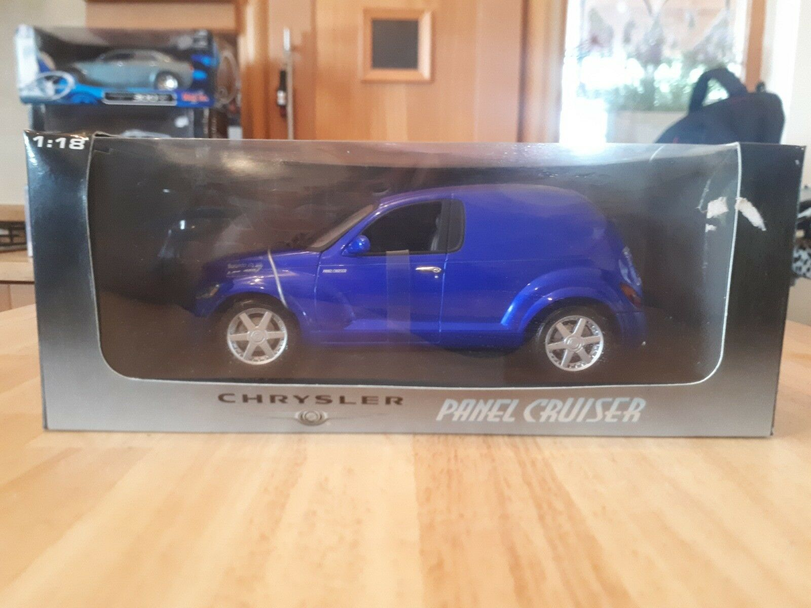 Autoart 1 18 Chrysler Panel Cruiser - azul
