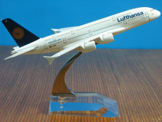 Lufthansa Airbus A380-800 Passenger Plane Airplane Diecast Model Collection